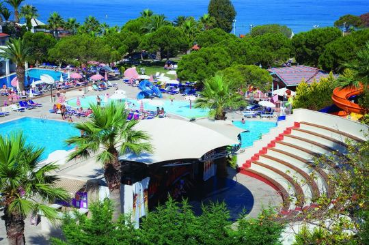 BATIHAN BEACH RESORT & SPA 4*