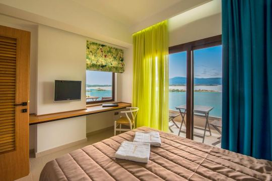 THALASSOKIPOS SEA VIEW STUDIOS & SUITES 1*