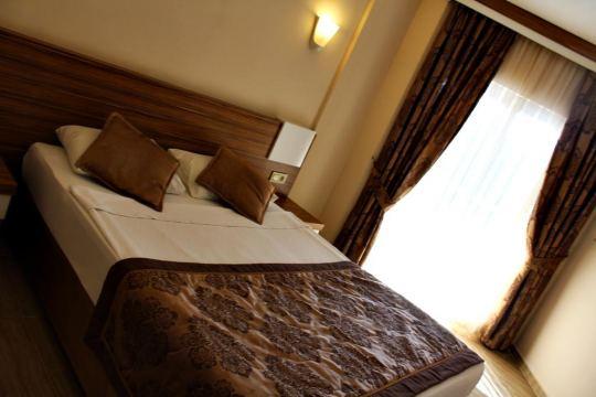SUN BEACH PARK HOTEL 4*