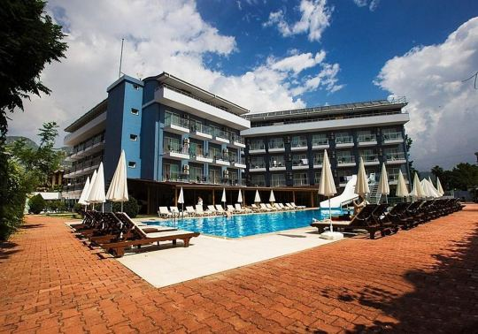 MONNA ROZA BEACH RESORT 4*