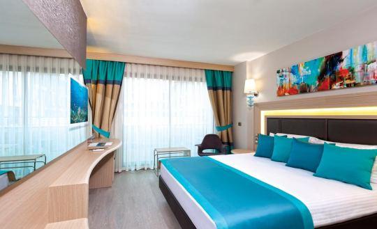 CLUB HOTEL FALCON 4*