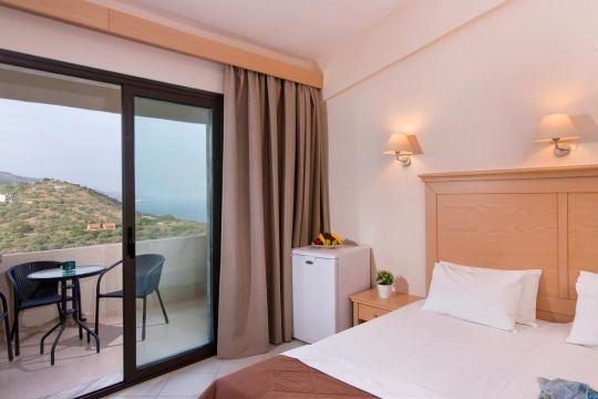 AERIA HOTEL 3*