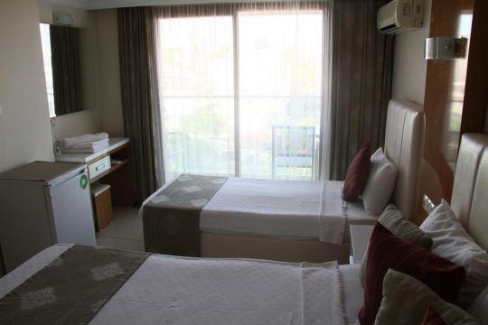 TEMPLE HOTEL 2*