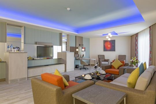 ROYAL SEGINUS HOTEL 5*