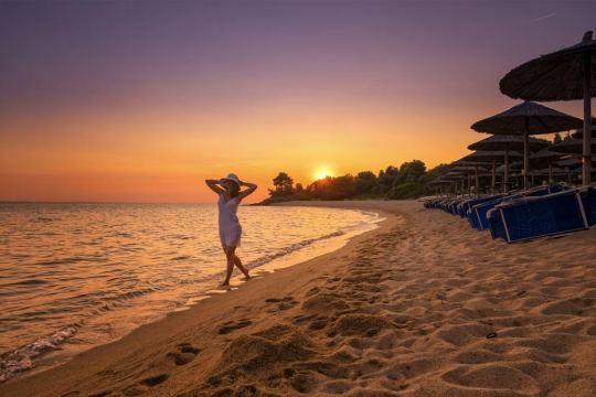 LAGOMANDRA BEACH 4 *