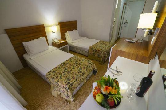 ARMAS GUL BEACH HOTEL 5*