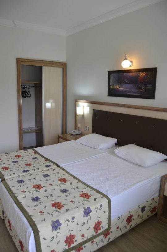 VENUS HOTEL 4*